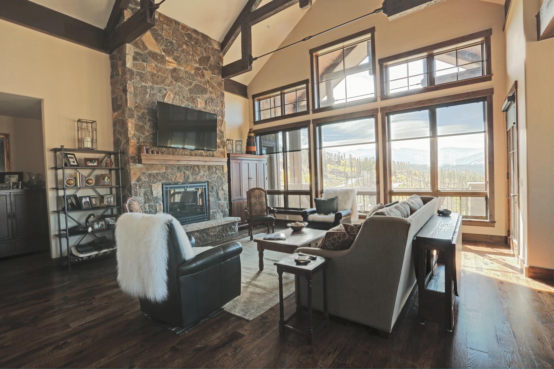 Custom Living Area Gallery