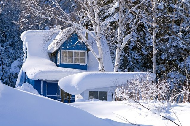 When to Remove Snow from Roof
